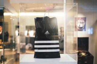 adidas substitui sacolas plásticas em lojas de todo o mundo