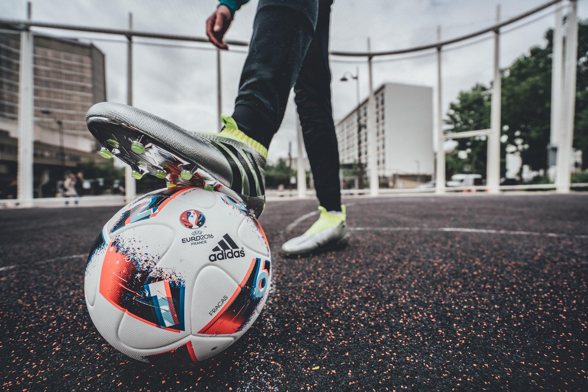 adidas lança a bola oficial da fase eliminatória da UEFA EURO 2016 - BrasilAlemanha  News ed5b7a0a53bab