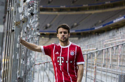 adidas revela novo uniforme do Bayern de Munique