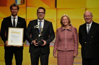 SCHUNK recebe prêmio durante a Hannover Messe