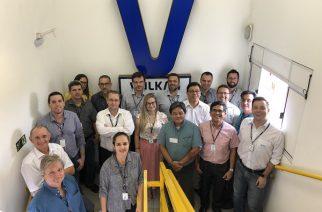 Na foto a equipe de gestão da VULKAN do Brasil com o auditor líder do organismo Certificador ABS, Sr. Lafaiete Ricardo de Oliveira Junior.