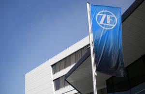 Flag with new ZF logo // Flagge mit neuem ZF-Logo