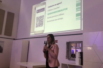 A fundadora e CEO Ariane Pelicioli  apresenta o Boletão, durante o Demo Day