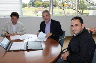 Tecpar e AguasParaná assinam acordo para apoiar reciclagem no Paraná