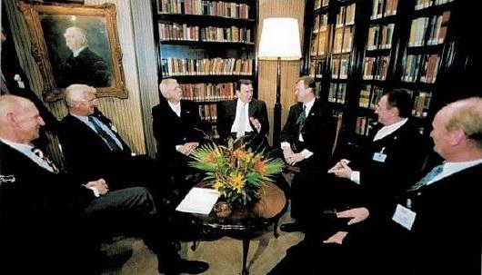 Chanceler Gerhard Schröder visita São Paulo