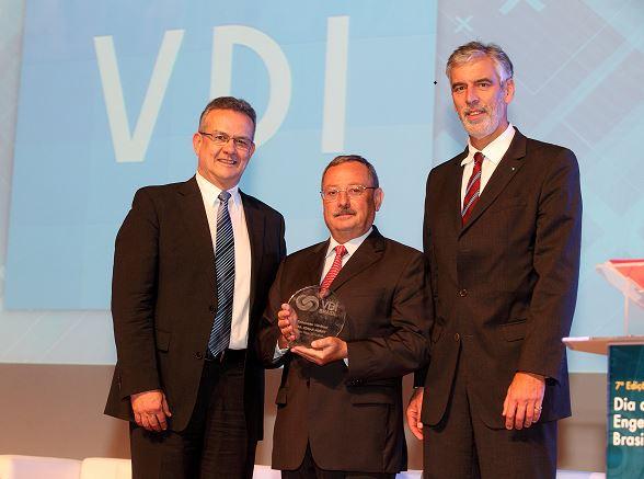 """Entrega do 1º Prêmio VDI-Brasil nas categorias """"Destaque Engenharia"""" e """"Embaixador VDI"""""""