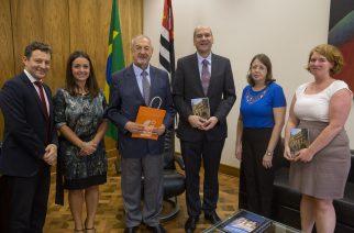 O secretário da educação José Renato Nalini recebeu em seu gabinete representantes do  Goethe Institut para assinatura de acordo com o instituto alemão. São Paulo: 27/01/2017. LOCAL: São Paulo/SP  FOTO: Mastrangelo Reino/A2IMG