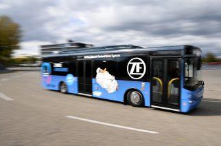 ZF recebe Prêmio de Inovação por seu sistema de tração central elétrico para ônibus