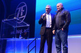 João Lopes, diretor da ZF Aftermarket América do Sul (esquerda) e Carlos Mira, fundador e CEO do TruckPad. Foto: Divulgação / ZF