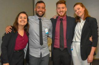 Alunos do curso de Relações Públicas da UFRGS que venceram a 13ª do Prêmio Universitário Aberje (Divulgação: Aberje).
