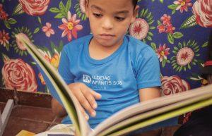 Ação incentiva a doação de livros infantis para crianças da Aldeias Infantis em Brasília